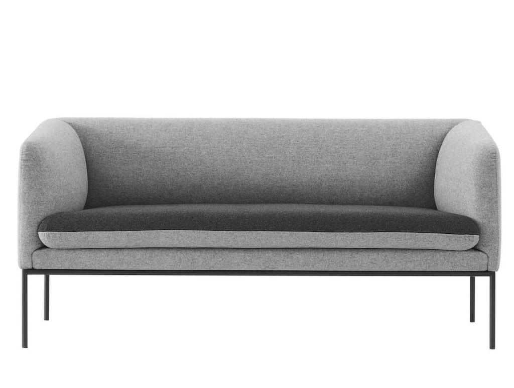 <p>Två grå toner har soffan Turn från Ferm living. 160 centimeter bred, 17 500 kronor, Länna möbler.</p>