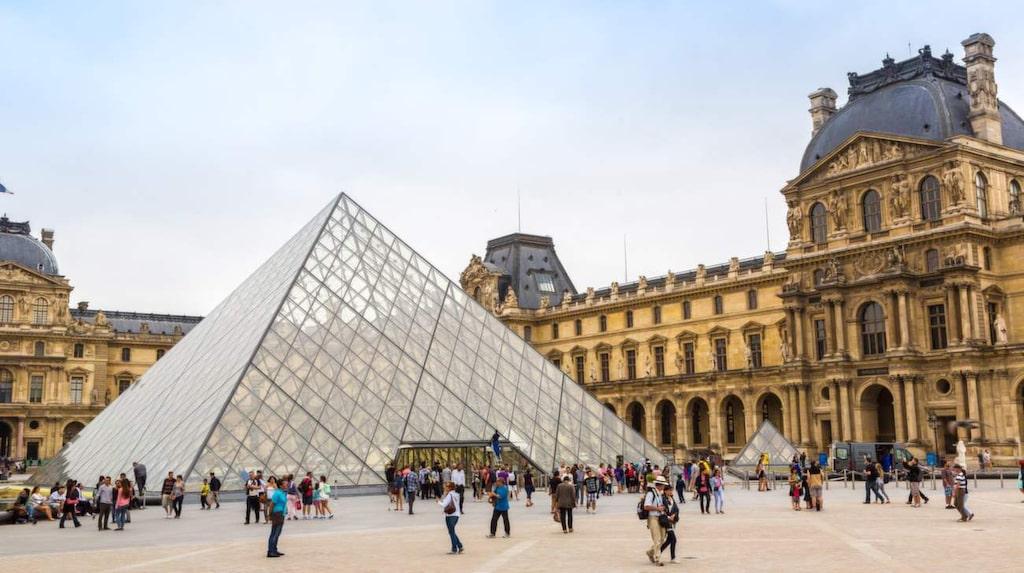 Se världens bästa konst på Louvren i Paris.