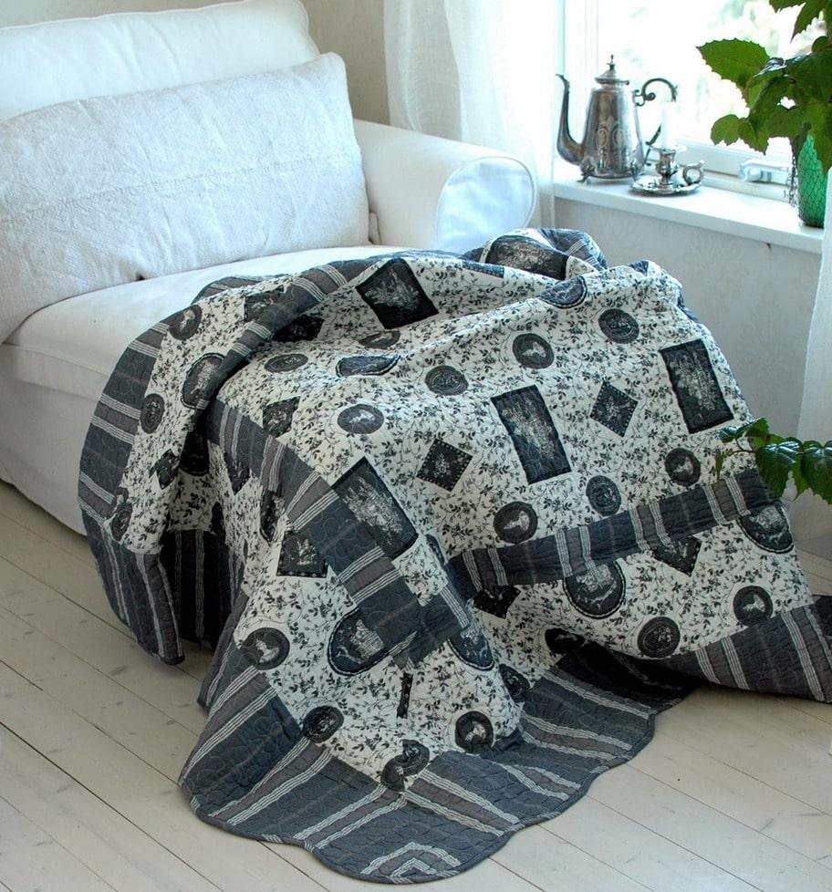 Kviltad. Vacker bomullspläd i vita och grå nyanser, 150 x 150 centimeter, 695 kronor, countrybymail.se.