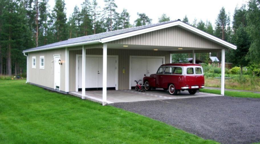 <strong>En storsäljare</strong><br>Storsäljare bland garagen från Lövångers Bygg i måtten 7,2 x 9,6 meter, höjd 2,5 meter med carport 4,8 meter. Slagportar, dörrar och fönster är tillval. Pris cirka 84 000 kronor.<br>Info: lovangersbygg.se