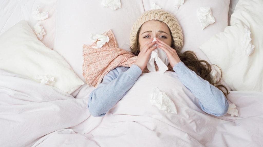 Om du någon gång varit förkyld så vet du hur hemskt det kan vara. Men det finns tips för att både förebygga och lindra.