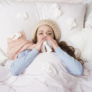 nyser hela tiden förkyld