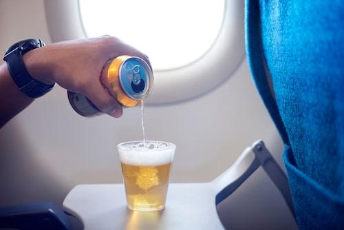 Tänker du dricka alkohol? Drick lika mycket vatten - minst!