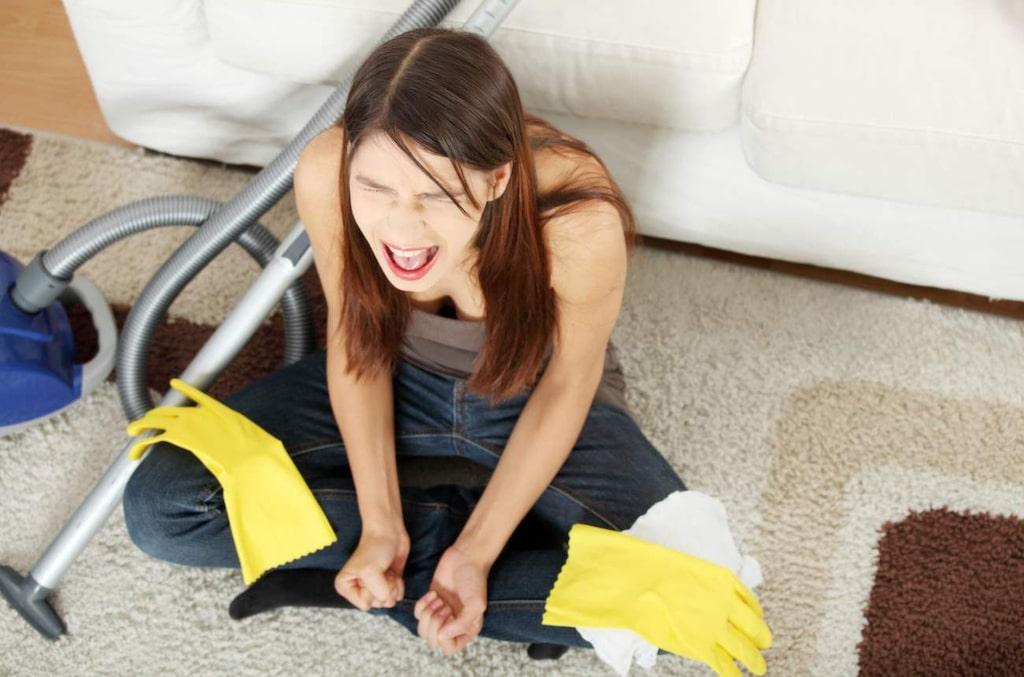Avskyr du att städa? Lugn! Vi har de bästa knepen på hur du fuskstädar men ändå får det att se ut som om du lagt ner hur mycket jobb som helst.
