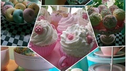 Ser ju väldigt smarrigt ut, men faktum är att alla cupcakes är konstgjorda hemma hos Eva.