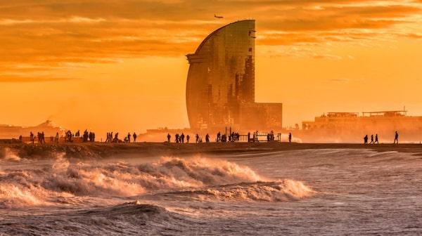 Stranden i Barcelona ligger nära city.