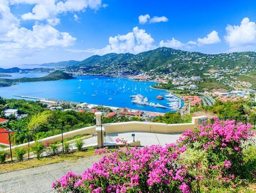 Charlotte Amalie på Saint Thomas är ett av stoppen på kryssningen.