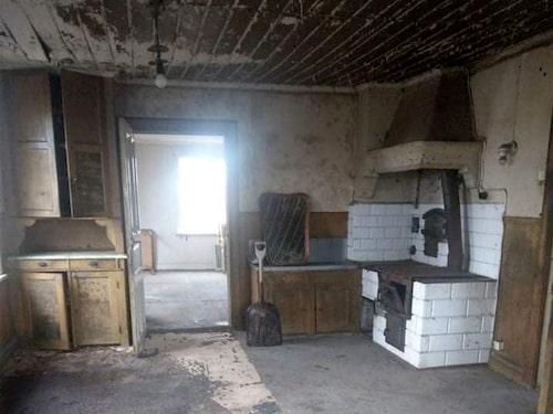 Huset är i behov av en totalrenovering.