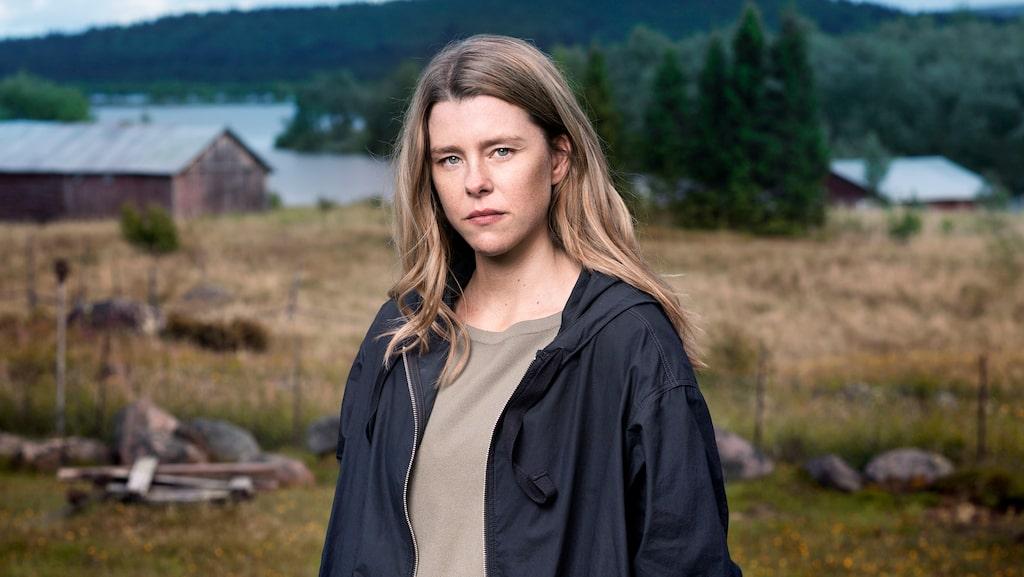 """I vår är hon aktuell i andra säsongen av kriminalserien """"Rebecka Martinsson"""". Sascha Zacharias tar över huvudrollen efter Ida Engvoll."""