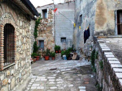 Lilla bergssamhället Accettura har drygt 2 000 invånare.