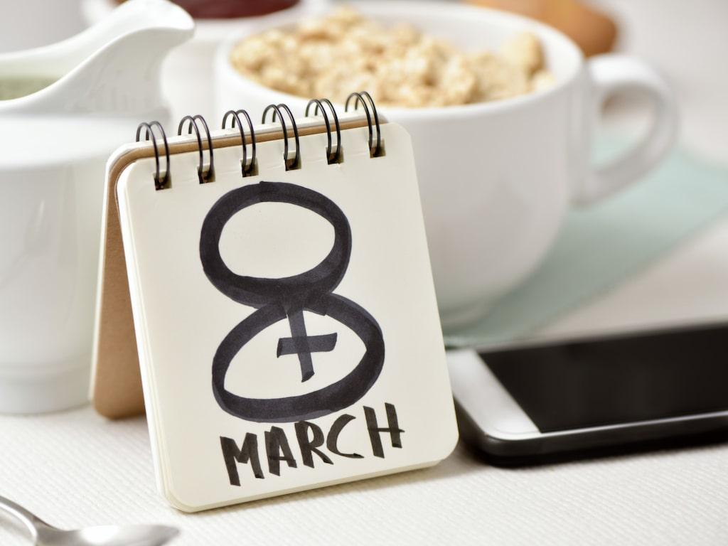 Sedan 1977 är internationella kvinnodagen den 8 mars en officiell dag och firas som en högtid i många länder.