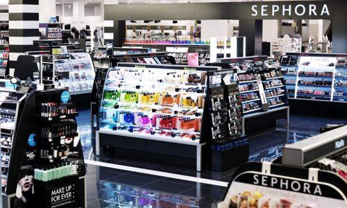 Sephora har stort utbud av smink och parfymer.