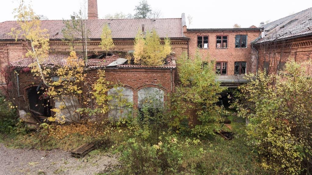 Många tycker att övergivna hus är spännande – och det här är definitivt ett sådant. Fastigheten har stått tom i nästan 40 år.