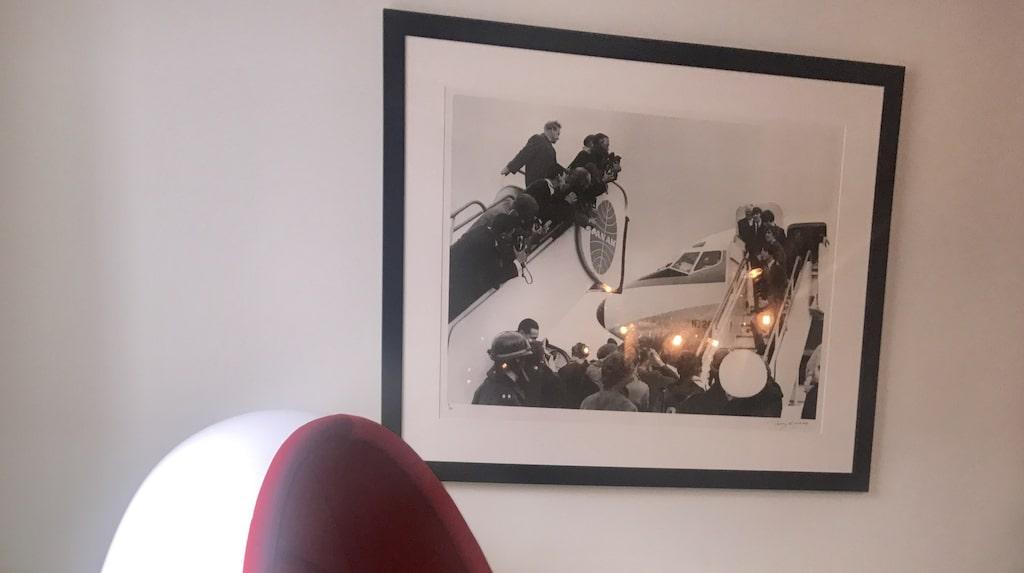 Isabel fick tag i Henrik Thor-Larsens privata äggstol på Bukowskis online.