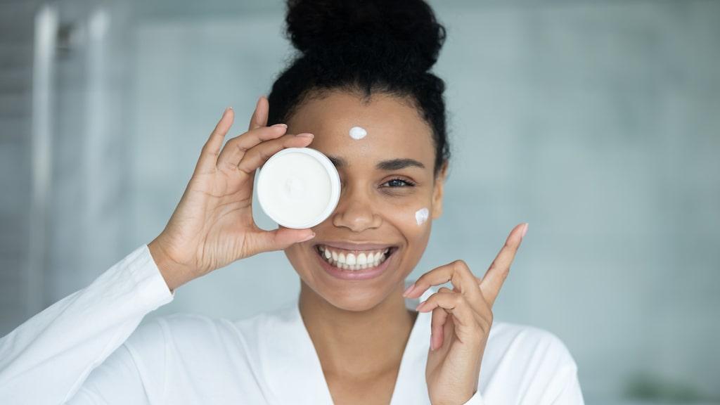 Med rätt vanor och produkter blir huden både mjukare och fräschare.