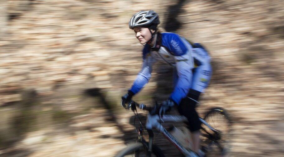 CYKELFANTAST. Elna Dahlstrand njuter av ett träningspass på cykeln.