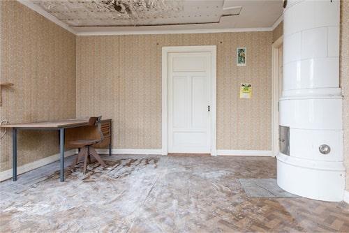 Huset har stort behov av renovering.