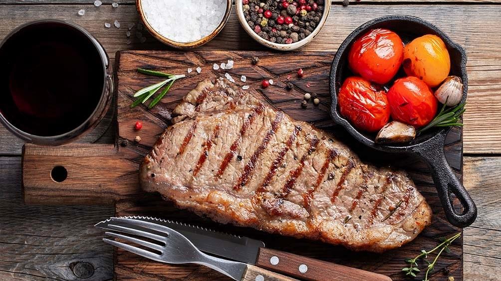 Maffigt rött till kött? Om du tycker mest om det, men prova även andra vinstilar till sommarens biff.