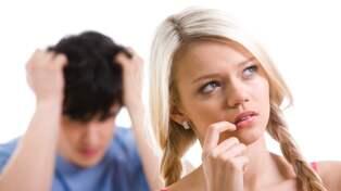 Vi listar vanliga tecken på otrohet i ett förhållande.