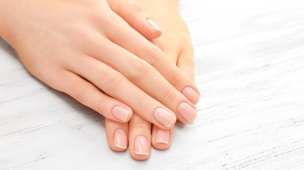 Nageloljor stärker naglarna och förhindrar flis.