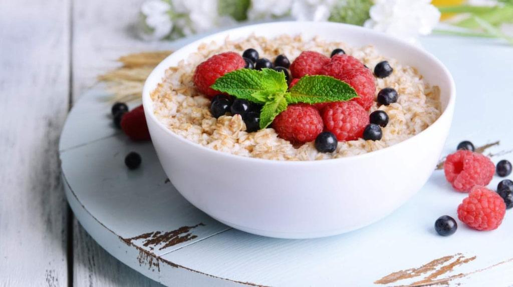 Strö gärna på lite blåbär på gröten eller yoghurten. Hjärnan kommer att tacka dig.