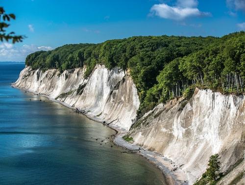 Skiftande kust. Åk längs Rügens vita klippor.