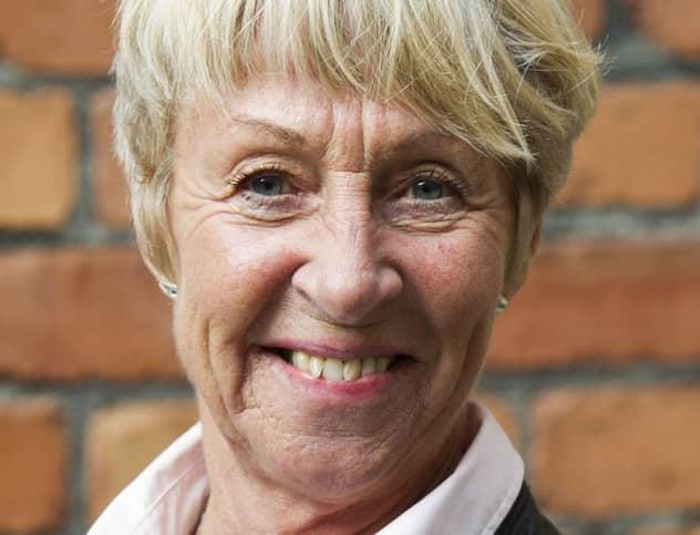 uppkopplad dating-appen för gamla kvinnor stockholm