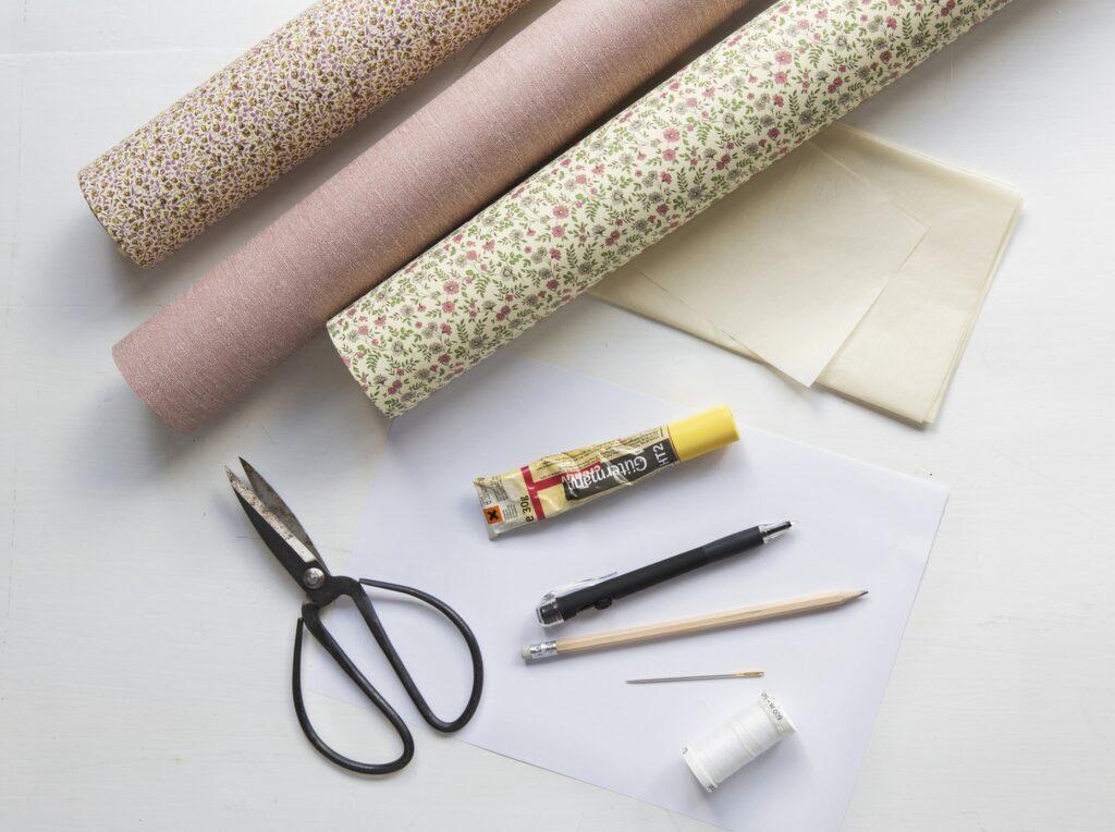 Du kan också använda ett dubbelsidigt papper så får du olika mönster på vardera sida.