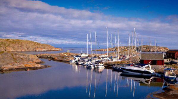 Många härliga naturhamnar på Väderöarna