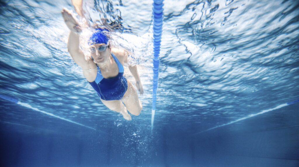 <p>Simning en av de mest skonsamma träningsformerna för kroppen generellt. Dessutom tränar du både upp konditionen och styrkan.<br></p>