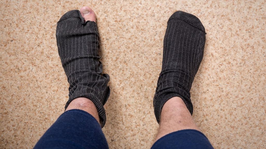 Att hålla fötterna rena och byta strumpor dagligen är viktigt.
