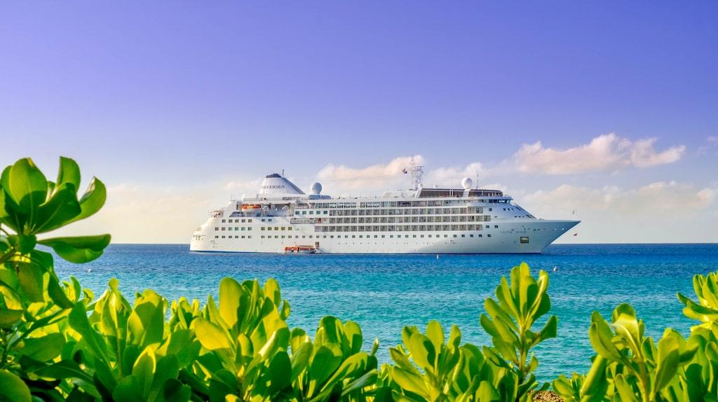 Ett fartyg från Silversea blir först med en kryssning till alla världens kontinenter.