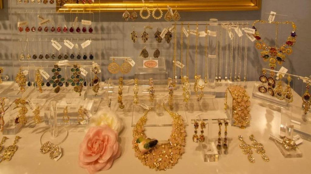 <p>Zanzlöza zmycken har allt för smyckesälskaren.</p>