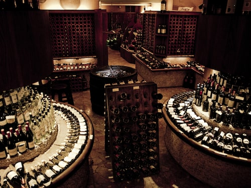 Enoteca Alessi är en av Florens historiska vinbarer som öppnade 1952.