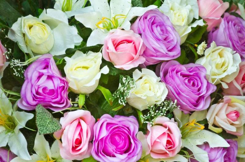 """<p>Tio blommor betyder """"vill du gifta dig med mig?"""" Bäst att inte välja fel blommor, alltså.</p>"""