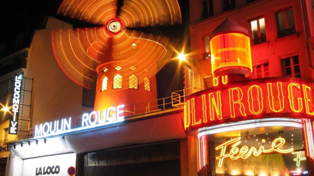 Moulin Rouge, Montmartre, Paris.
