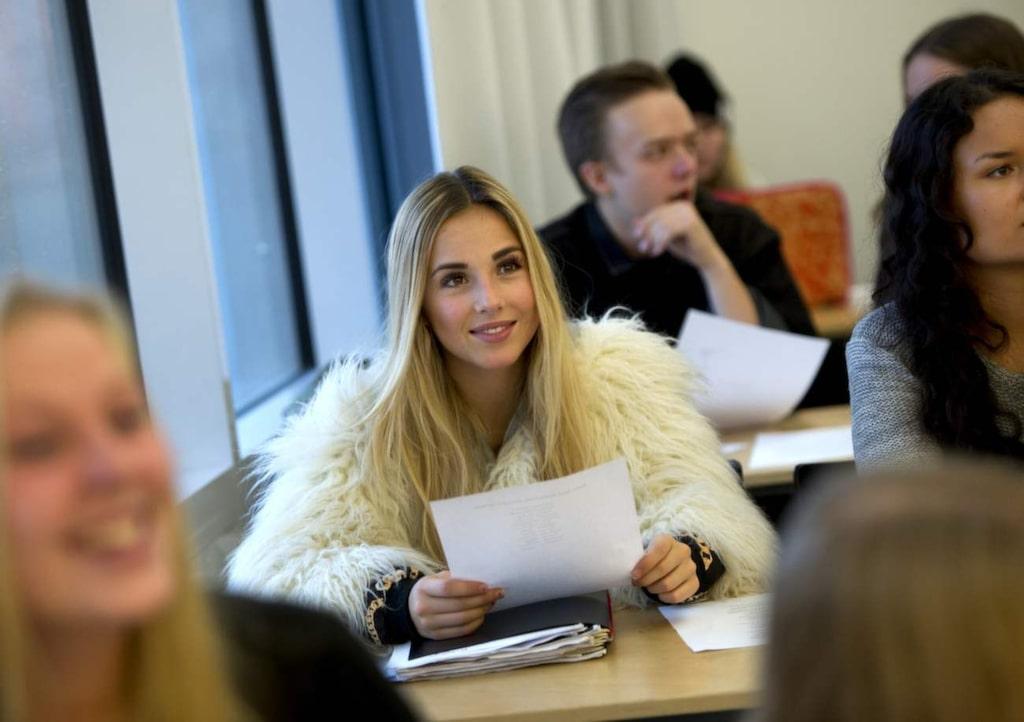 Isa Tengblad studerar på gymnasiet Rytmus i Nacka, ett av landets ledande gymnasium för musik.