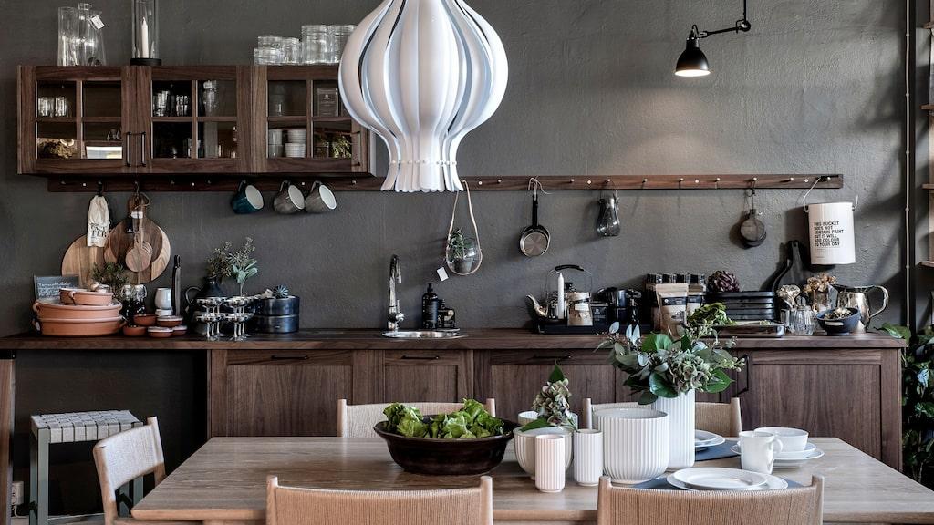 Skövdebaserade Olby Design gör platsbyggda kök utan standard, anpassade efter kundens behov. Läs mer nedan.