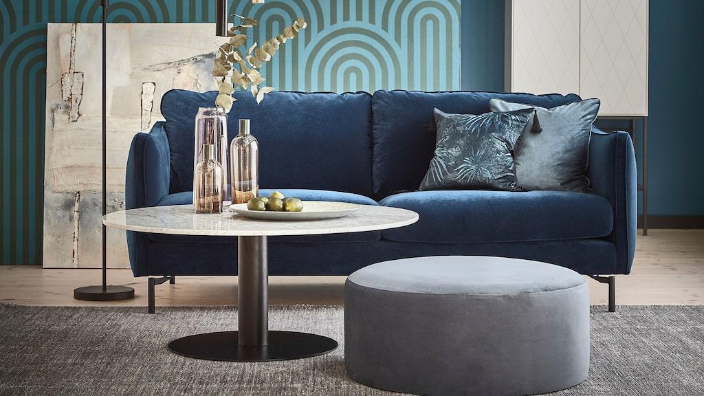 Vit, blå eller kanske en rosa soffa? Tvåsits, tresits eller en stor soffa? Här får du massor av inspiration till fina soffor. Den här soffan finns med olika armstöd, ben och tyger, med fast och med avtagbar klädsel, samt med lyxigare stoppning. Madison, 14 995 kronor.