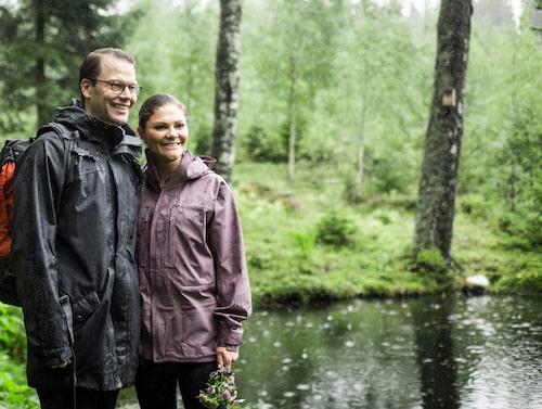 Kronprinsessparet på landskapsvandring i Västergötland, 2017. Vandringen gick längs pilgrimsleden mellan Varnhem och Hornborgasjön.