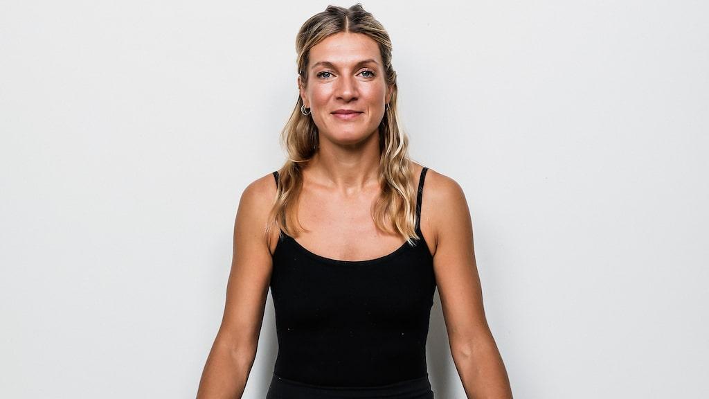 Erika Kits Gölevik är träningsexpert och yogalärare.