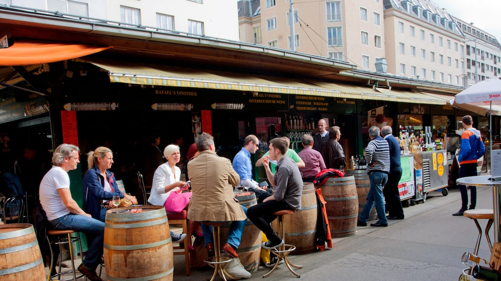 Läsarna var på semester i Österrike och drack gott vin. Gunilla Hultgren Karell tipsar om goda viner gjorda av druvan grüner veltliner.