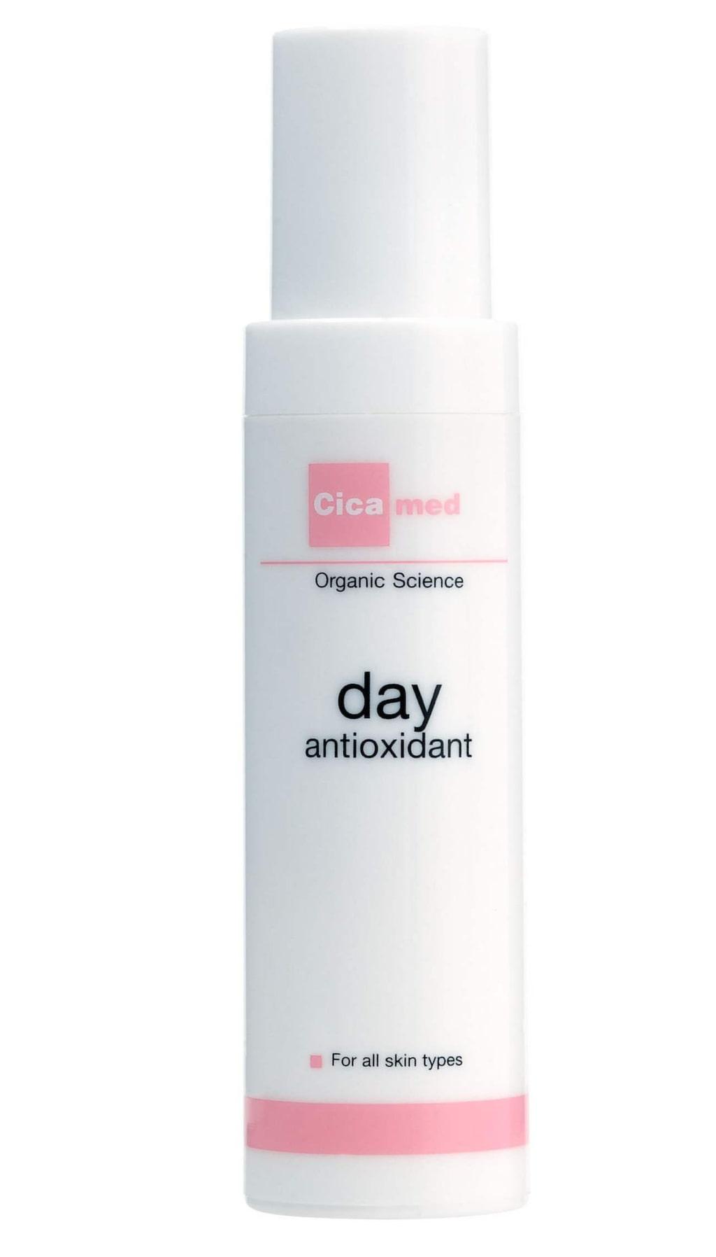 Härlig dagkräm/anti-agingkräm fullproppad med antioxidanter och vitaminer som förstärker din hud. Day Antioxidant från Cicamed, 479 kronor.