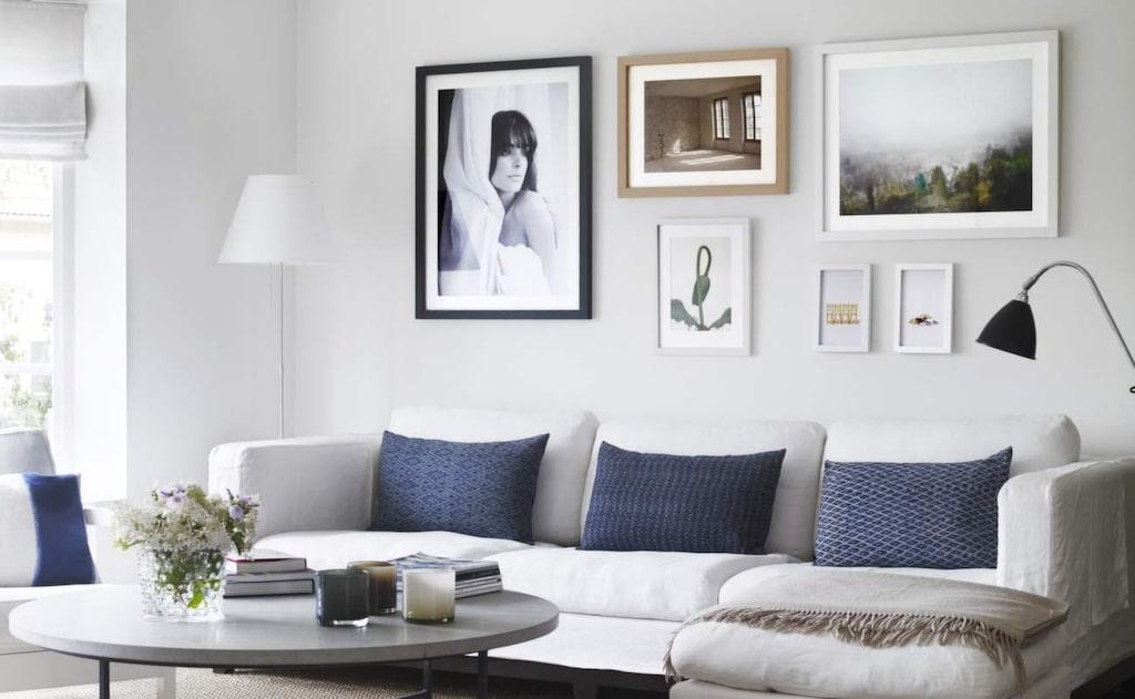 Foto. Svartvitt fotografi (längst till vänster) med kvinnoporträtt av fotografen Christofer Dracke, 70x50 centimeter, 4 987 kronor, Piqmo.com.