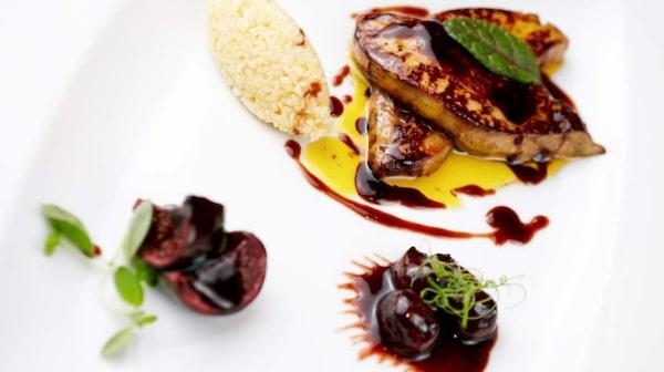 Vem vill att restaurangbesöket ska kosta mer än flygbiljetten?