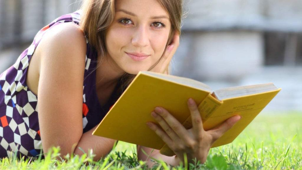 <p>Du som stimulerar hjärnan med läsning eller andra aktiviteter så som korsord och sudoko kan förhindra minnesförfall.</p>