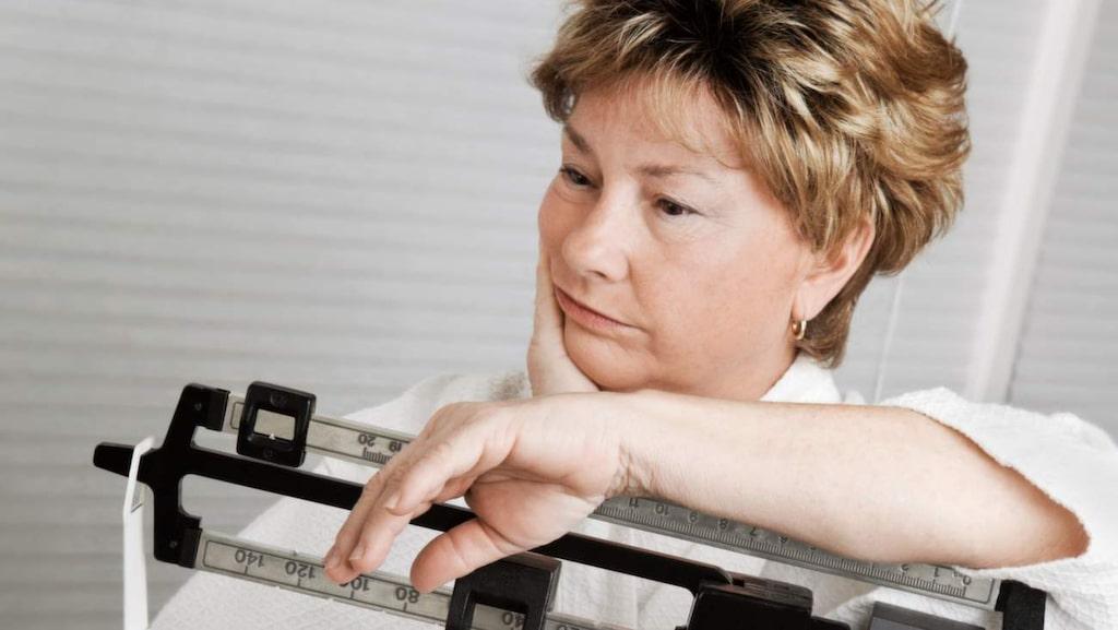 <p>Mindre portioner och ökad fysisk aktivitet gör det lättare att hantera ovälkomna biverkningar som viktökning<br></p>