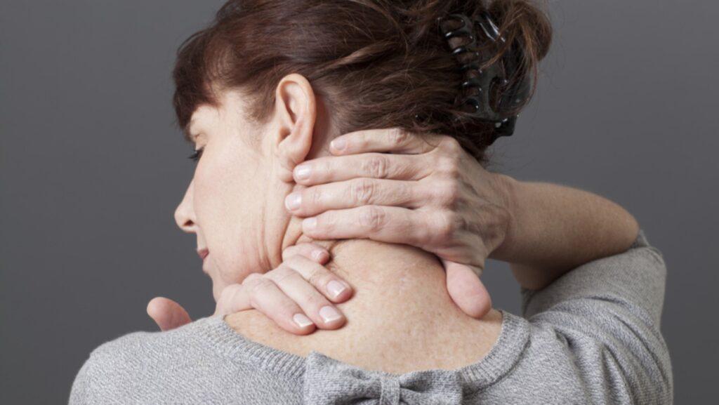 Fibromyalgi är svårdefinerat, eftersom symptomen liknar dem hos många andra sjukdomar. För att komma fram till diagnos används en exkluderingsmetod.