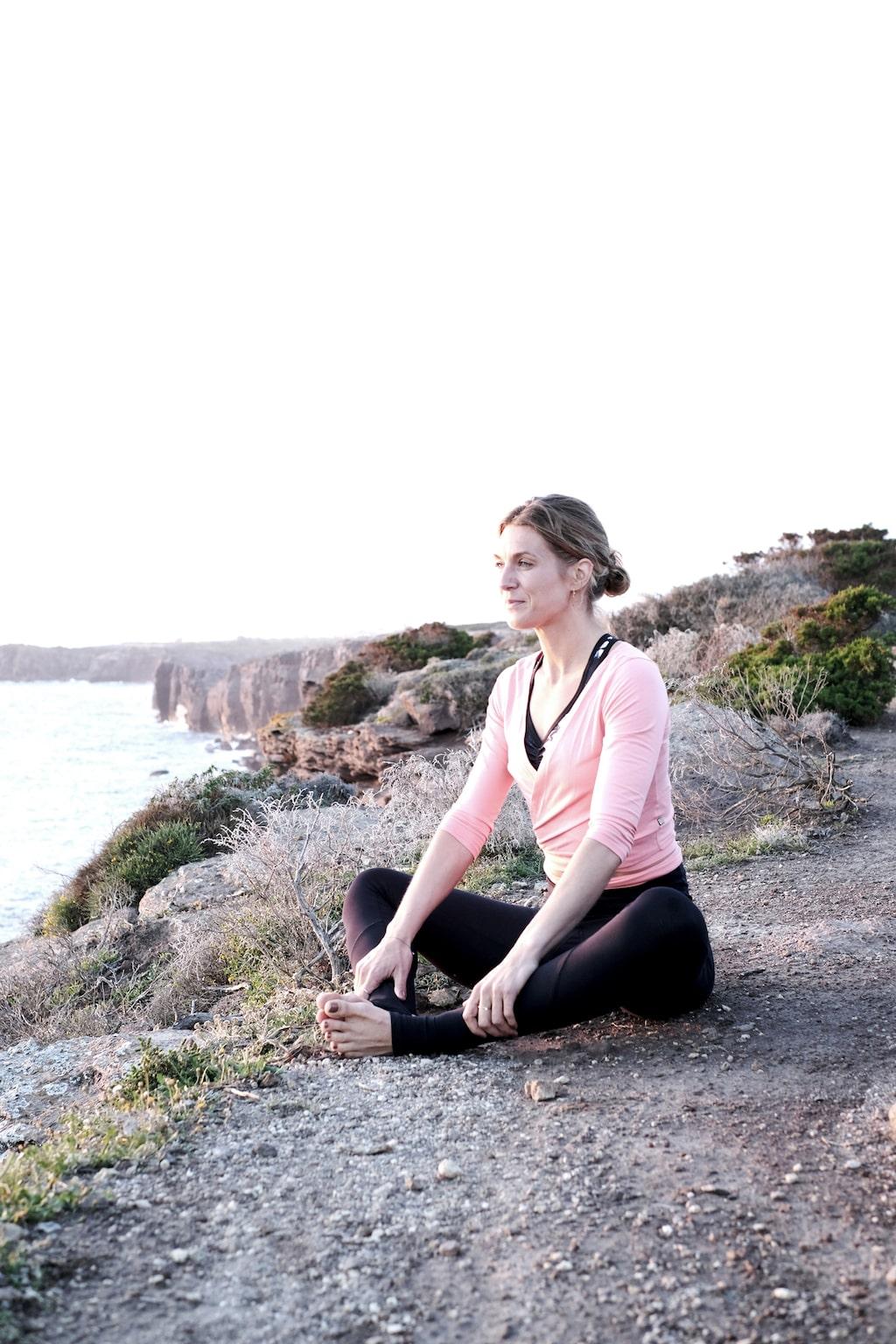 Låt yoga bli en del av din morgonrutin i sommar.