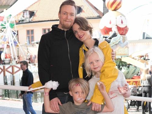 Med familjen på Gröna Lund.